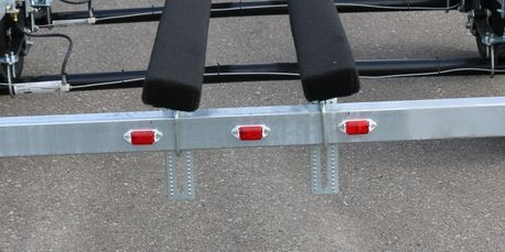 Adjustable Tritoon Upgrade - Adds Width & Height Adjustable Center Bunk. For use when center toon is larger or slightly